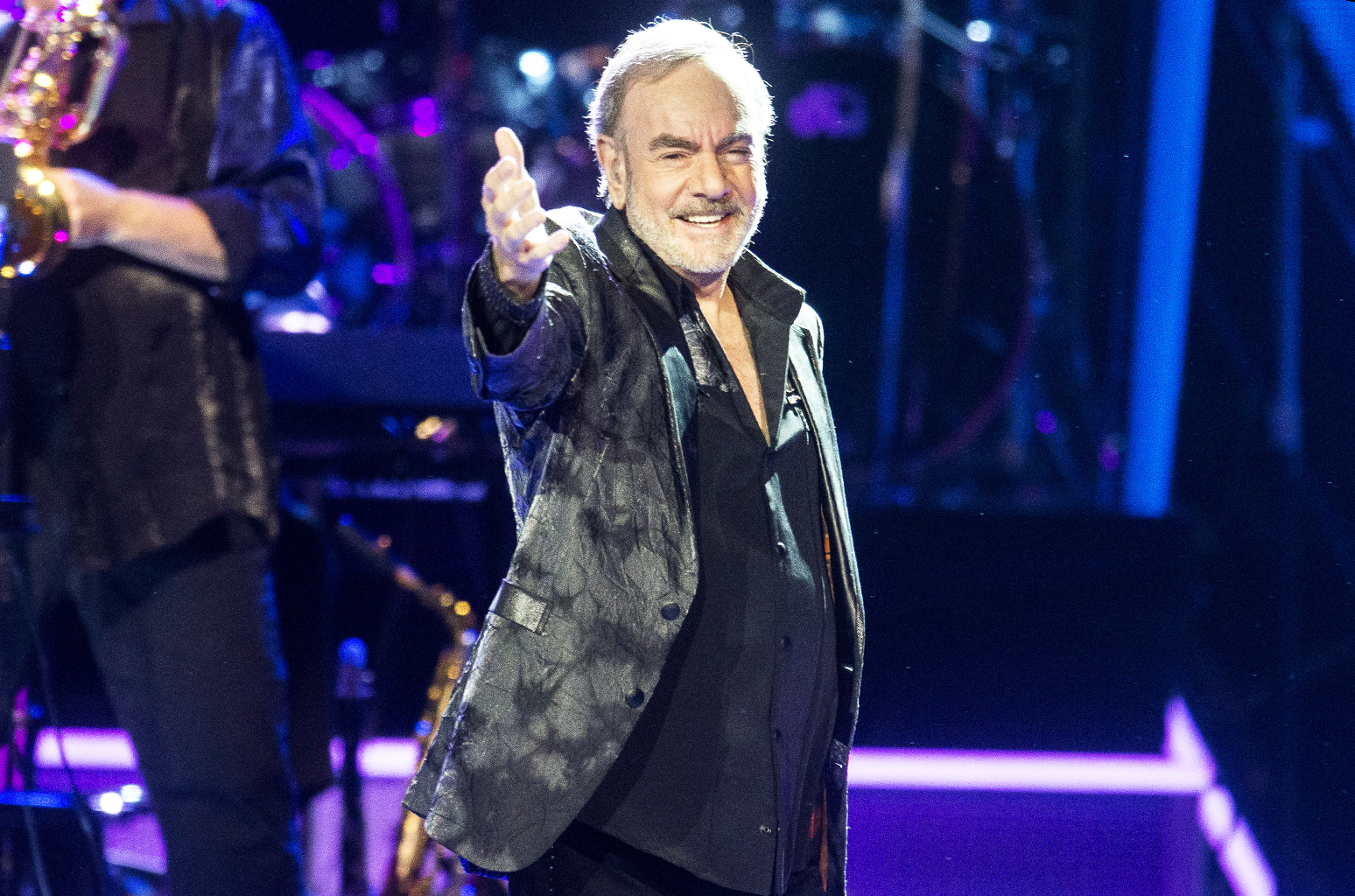 Neil Diamond to Receive Songwriters Hall of Fames Johnny Mercer Award